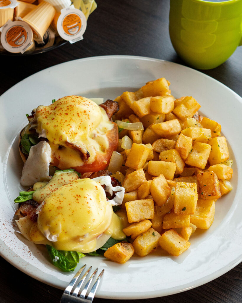 Broadway Bar and Grill - Riverside, Ottawa Ontario - BPTS Benedict